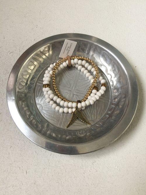 White & gold bracelet set